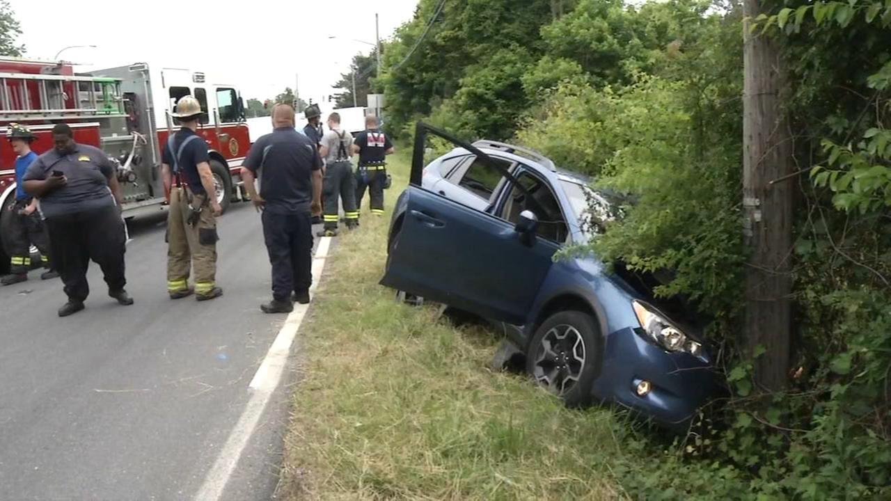1 person hurt in vehicle crash in Delaware