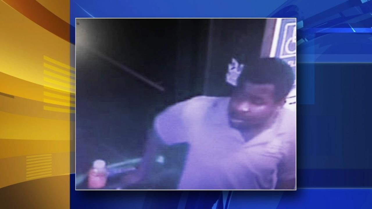 Suspect sought after stabbing on Market-Frankford El