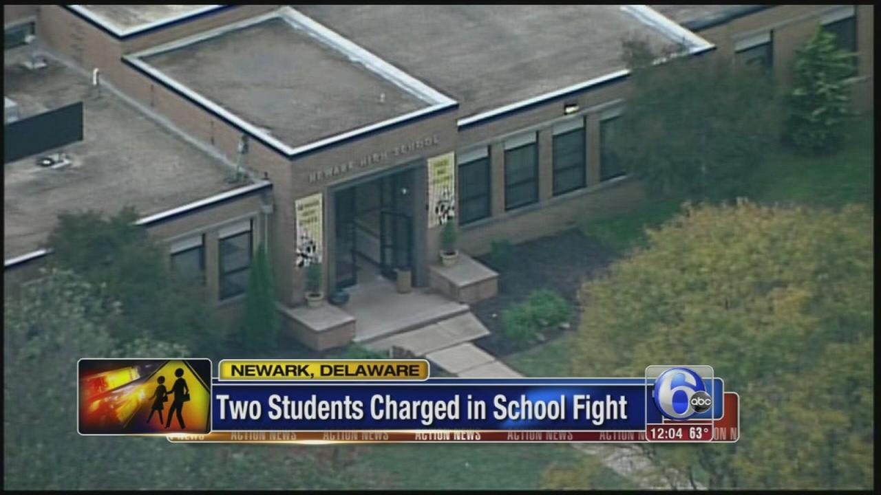 VIDEO: 2 arrests in school fight in Del.