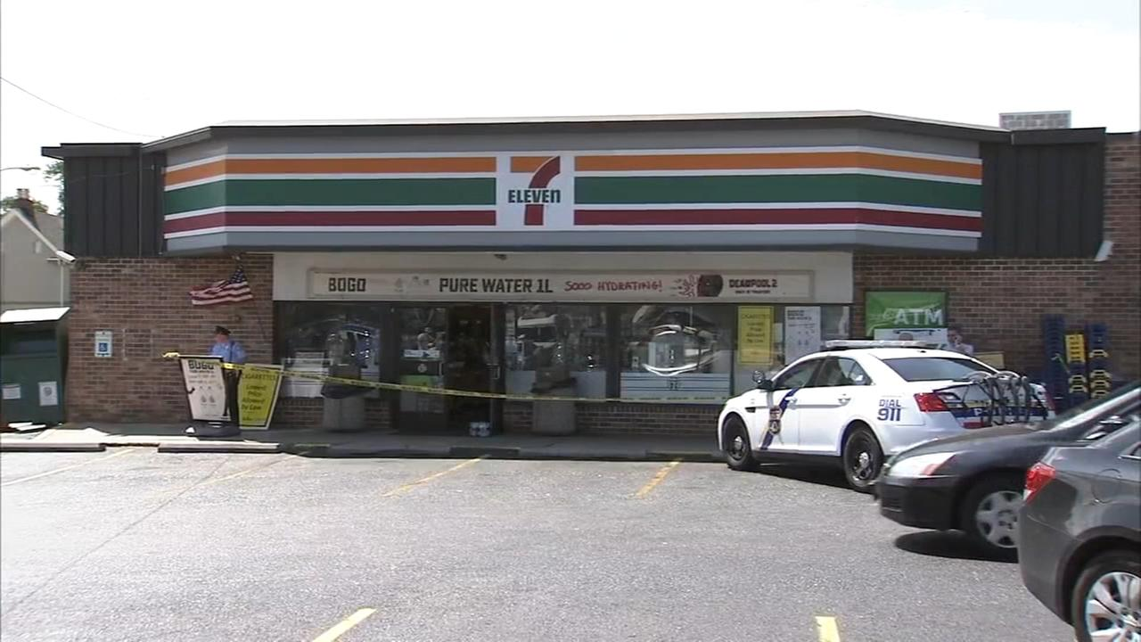 Man shot twice during 7-Eleven armed robbery