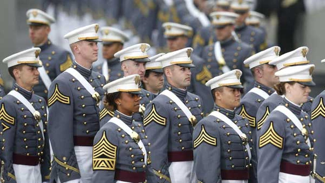 Graduating cadets during a graduation and commissioning ceremony at the U.S. Military Academy on Wednesday, May 28, 2014, in West Point, N.Y. (AP Photo/Mike Groll)