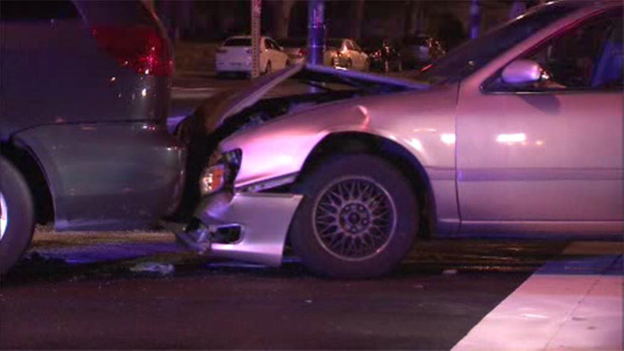4 injured in 2-vehicle crash on Roosevelt Boulevard