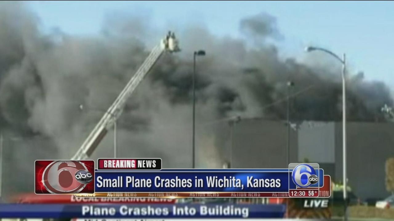VIDEO: 2 dead after small plane crashes at Wichita airport