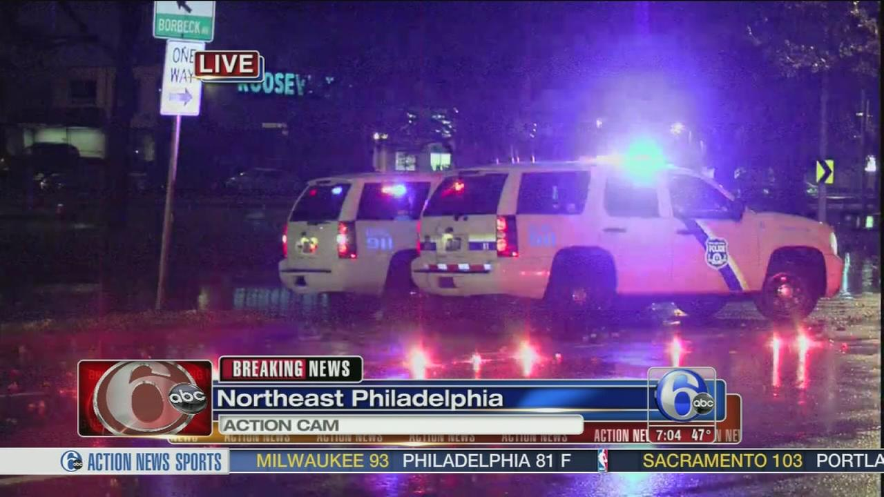 VIDEO: 2 pedestrians struck,1 dead in Northeast Philadelphia crash