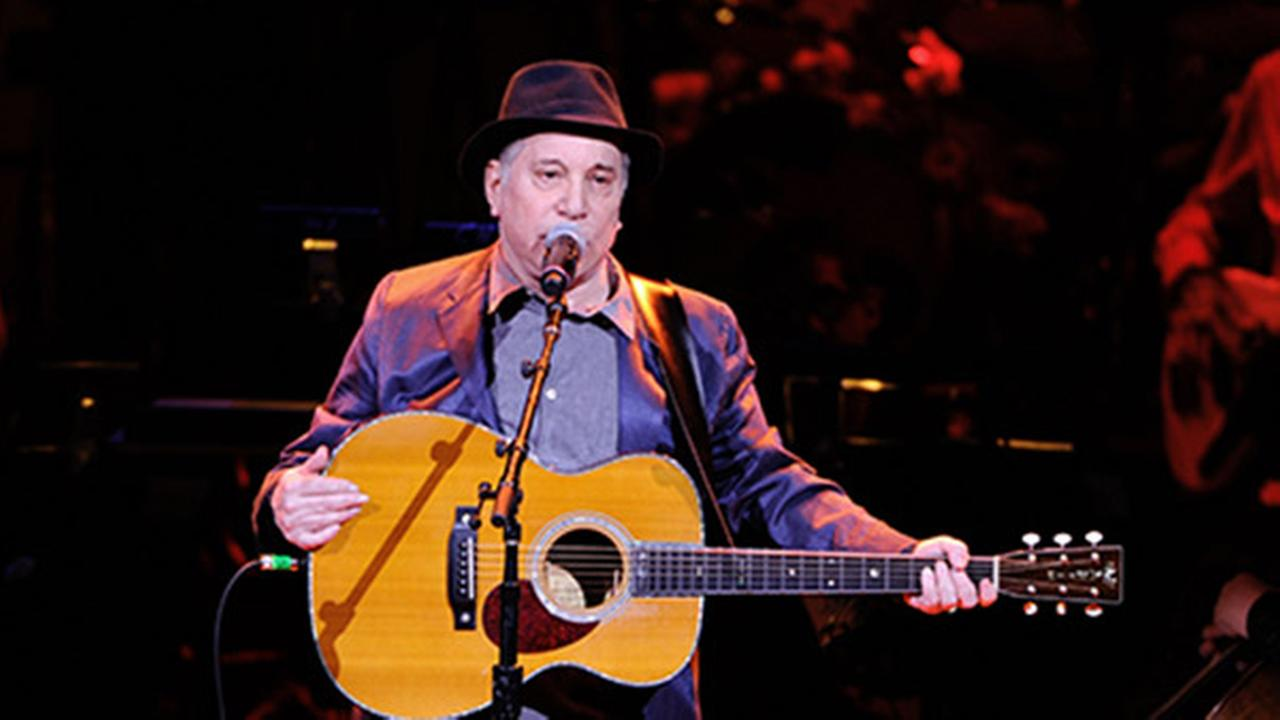 Paul Simon cooperating for planned biography
