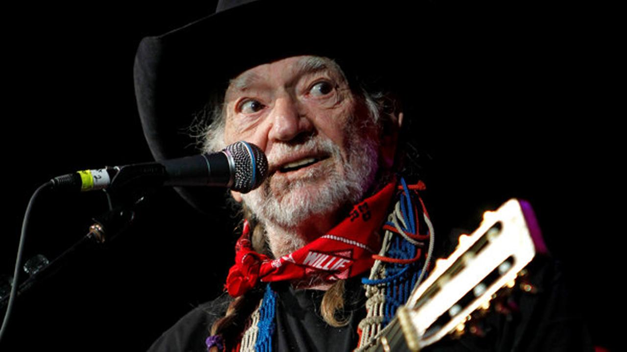 Master Willie Nelson gets 5th-degree black belt