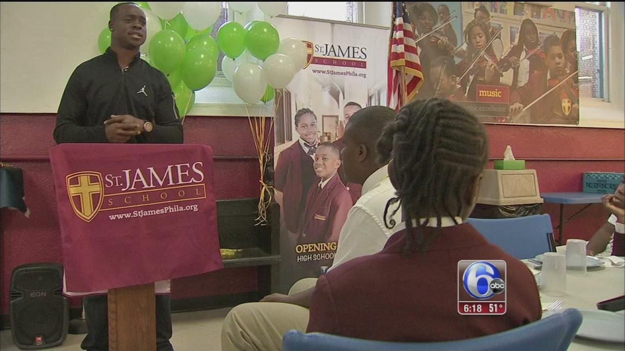 VIDEO: Maclin visits school