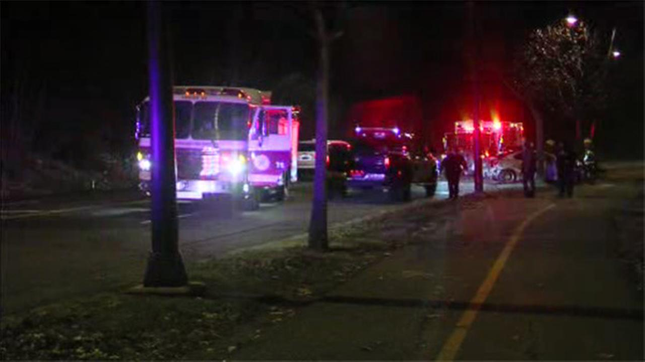 Slick roads blamed for Kelly Drive crash