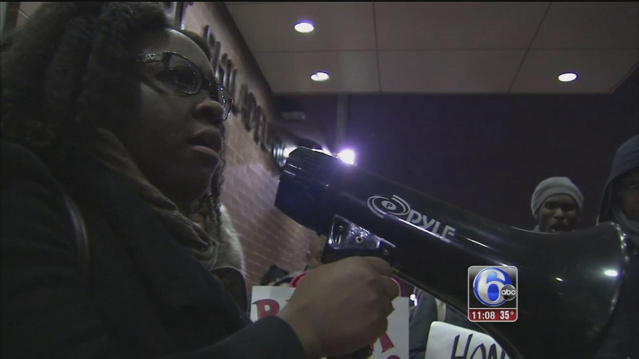 VIDEO: Protest against plans to move Phila. Police headquarters
