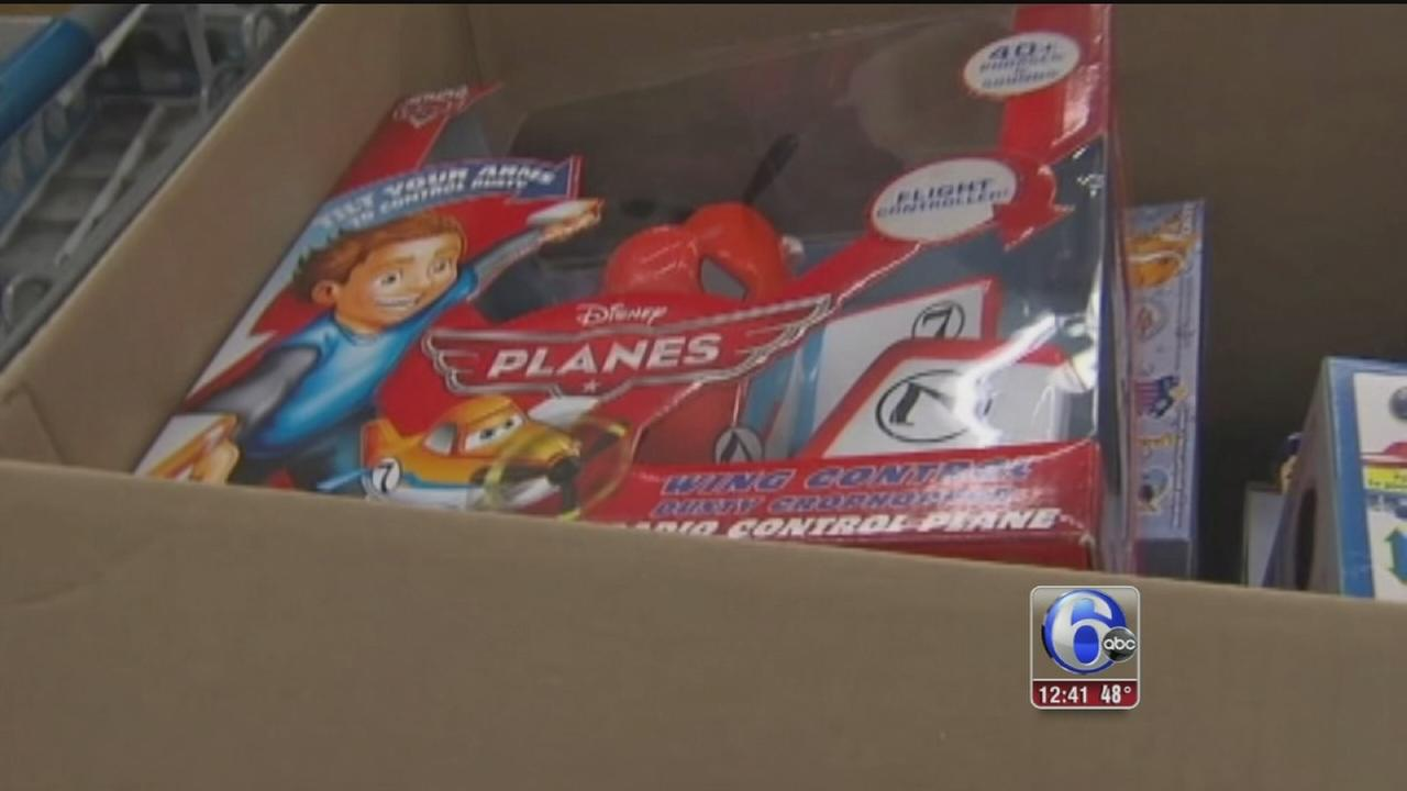 VIDEO: Secret Santa pays off layaway at Pa. Walmart