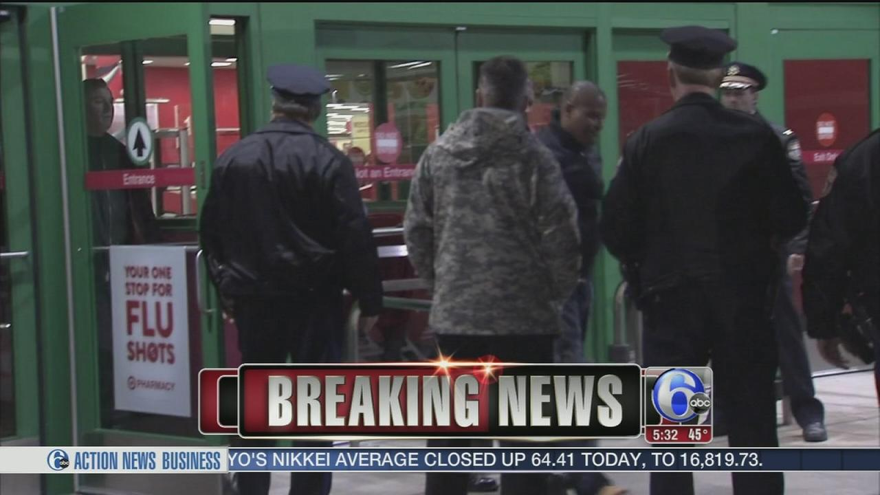 VIDEO: Trapped burglary suspects caught at NE Phila. Target