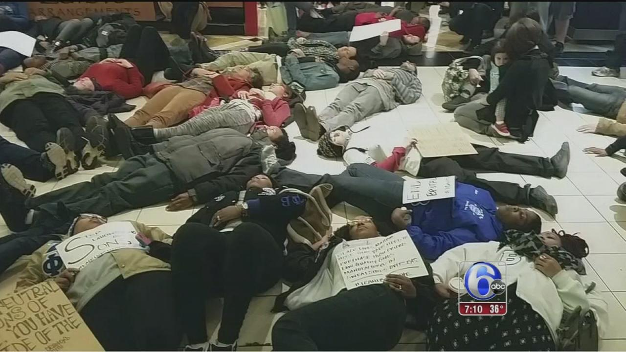 VIDEO: Protesters stage die-in at King of Prussia Mall