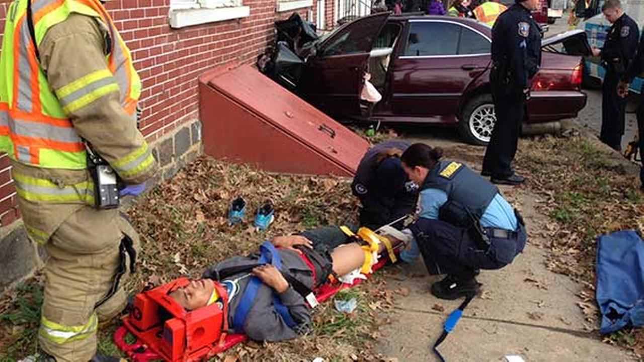 4 injured when car slams into Wilmington house