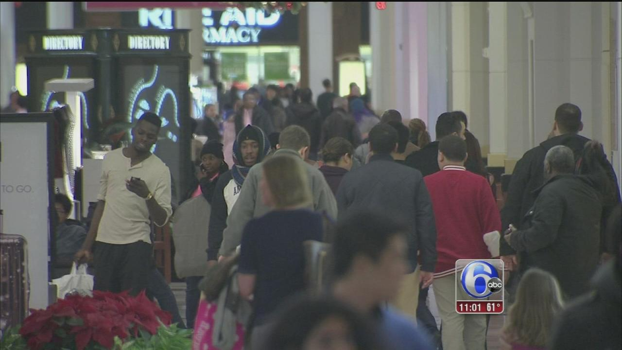 VIDEO: Last minute rush for Christmas shoppers