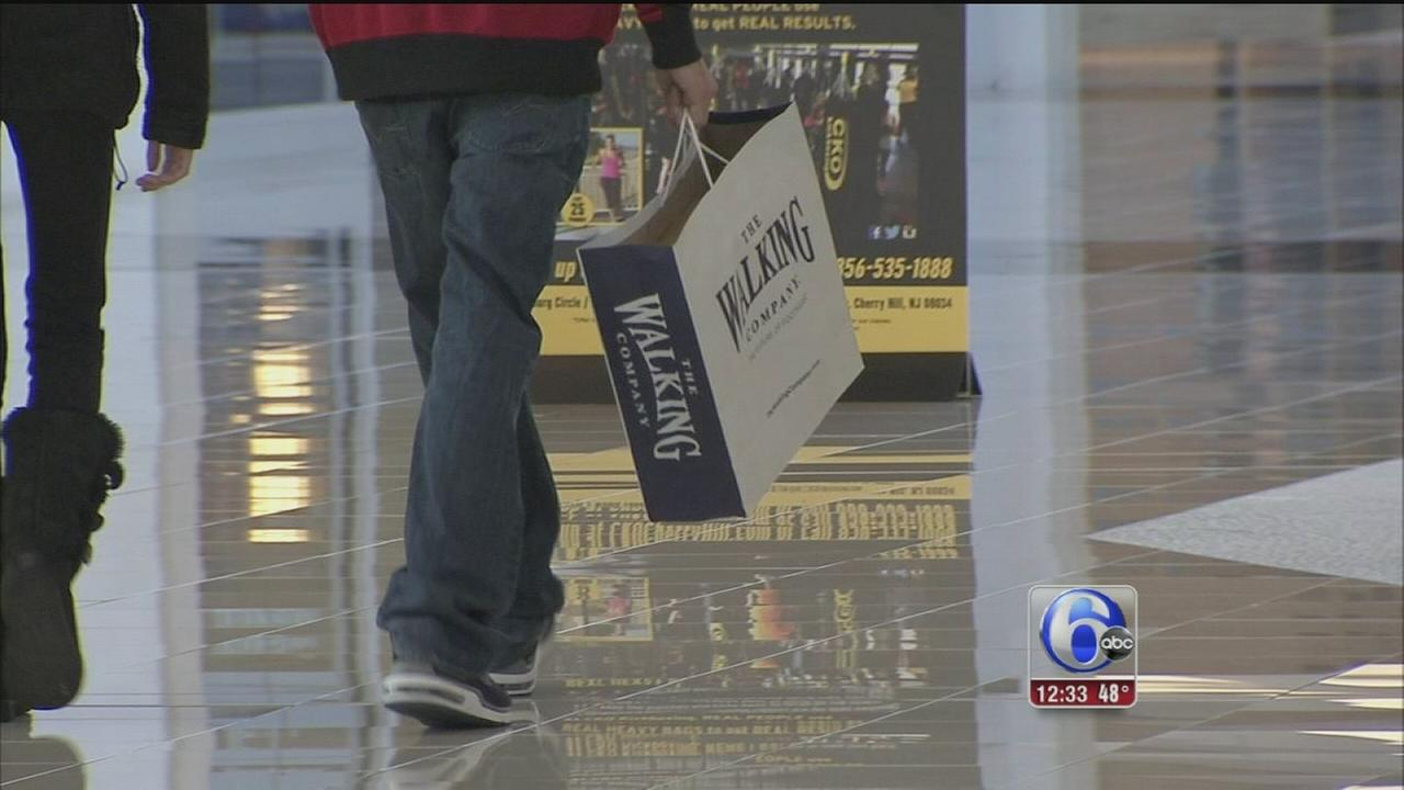 VIDEO: Shoppers hit stores to make holiday returns