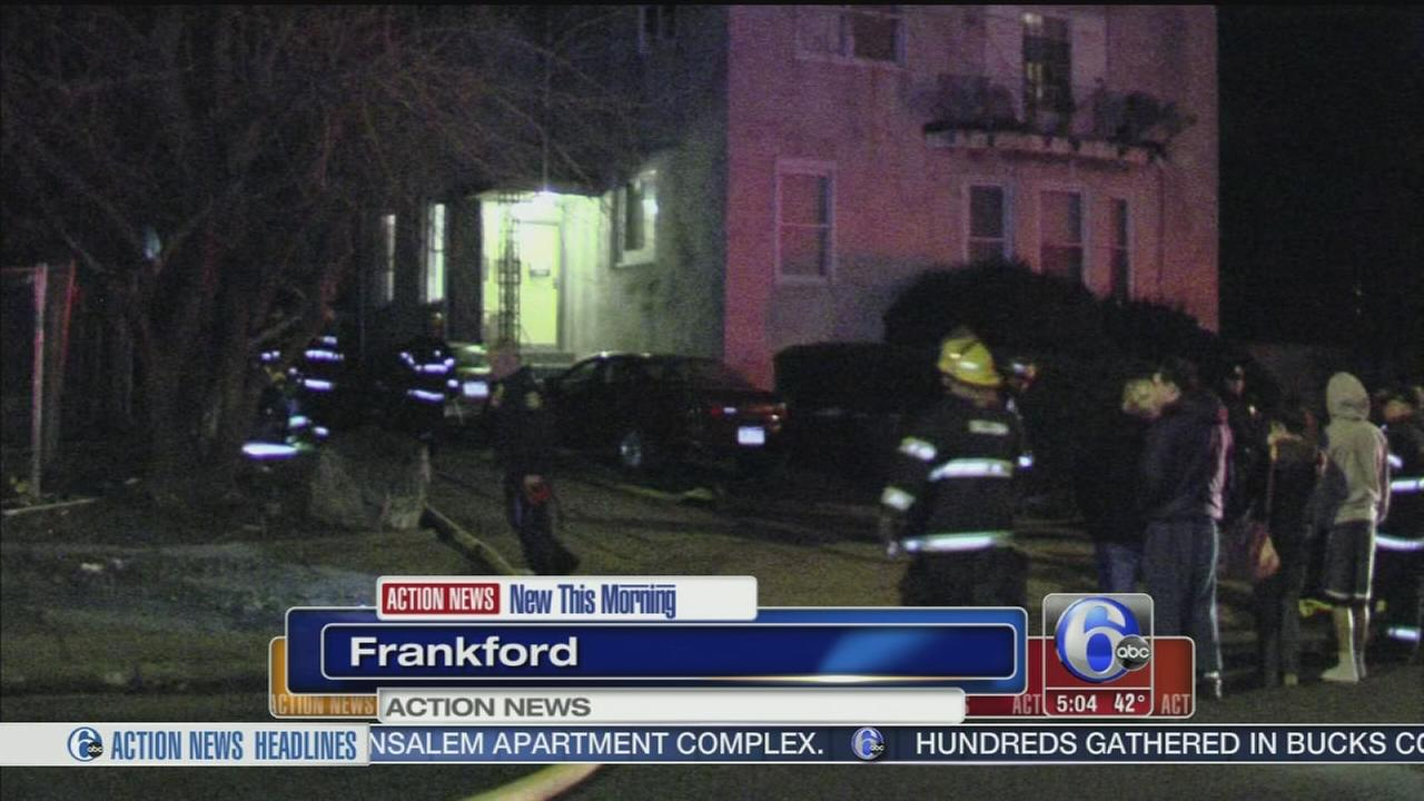 VIDEO: 2 officers hurt in garage fire