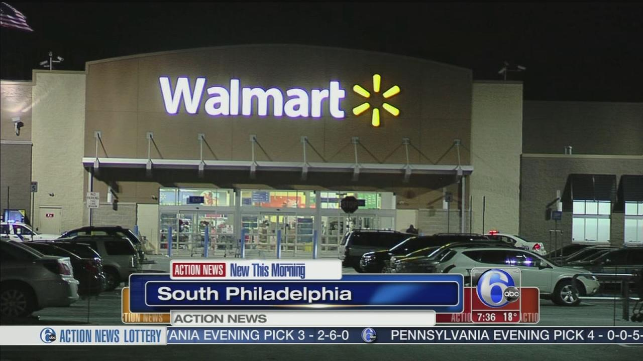 VIDEO: Gunman makes off with TV from South Philadelphia Walmart