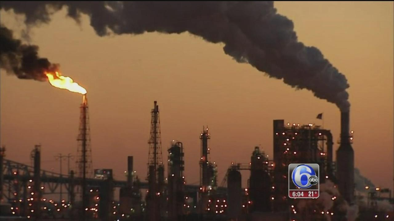 VIDEO: Smoke seen for miles in South Philly refinery hazmat