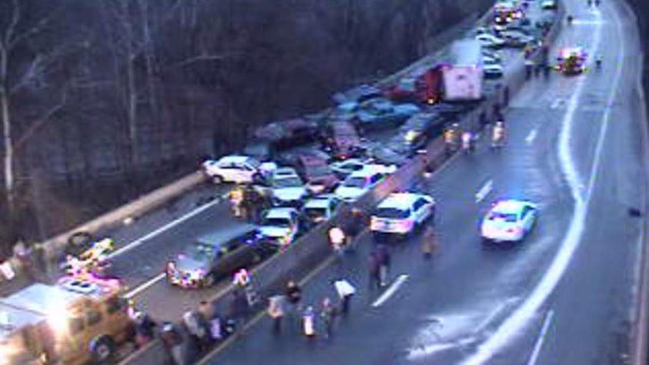 Sky 6 showing a multi-vehicle crash on the Schuykill Expressway.