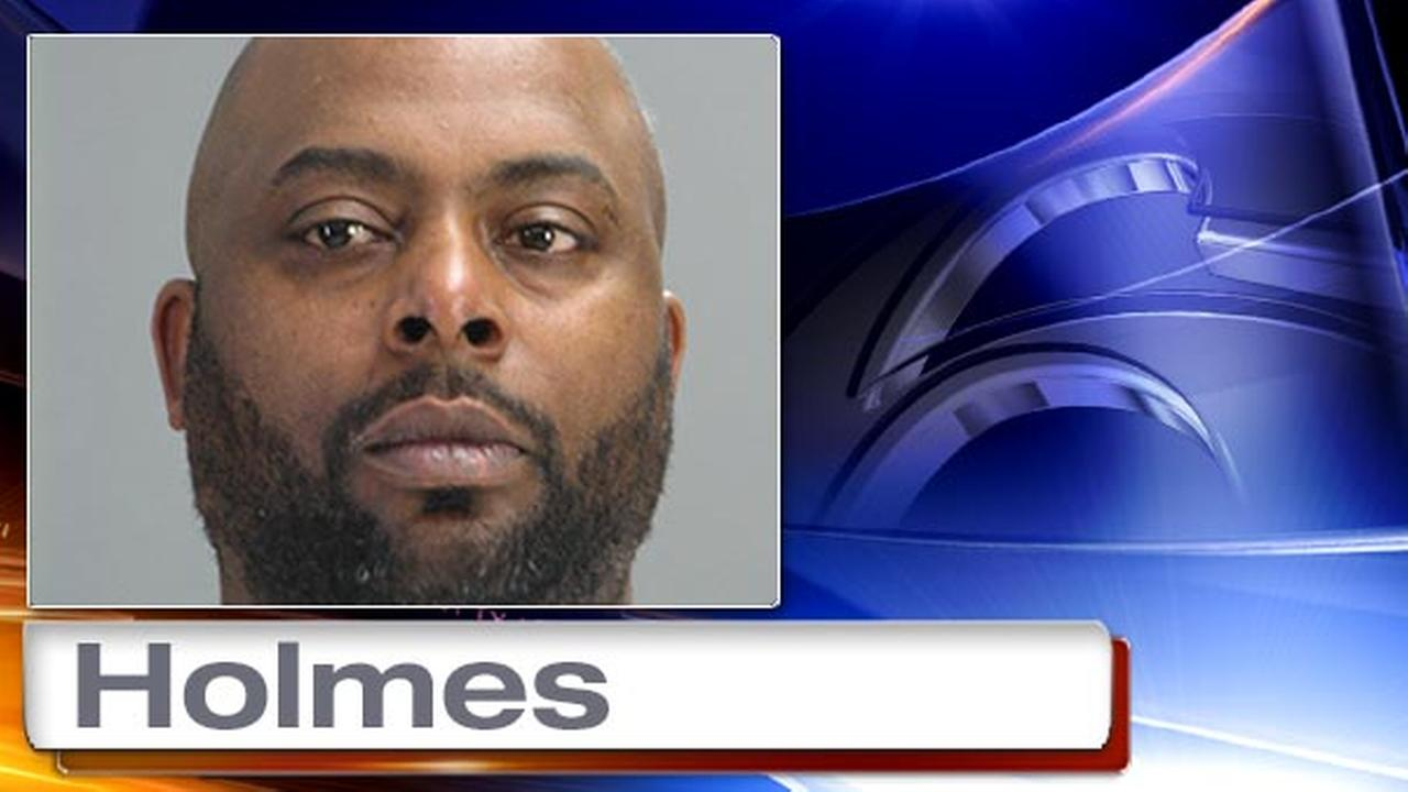 Police: Cocaine found in prosthetic leg in Dover, Del.