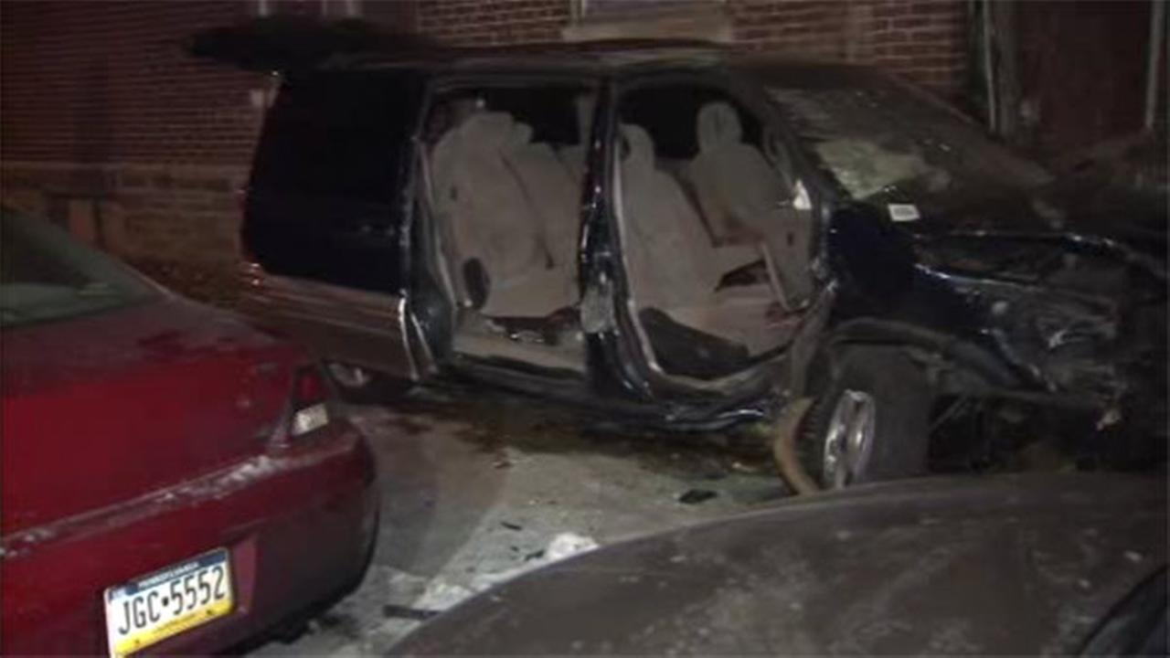 Minivan slams into Olney house, 2 shot inside vehicle