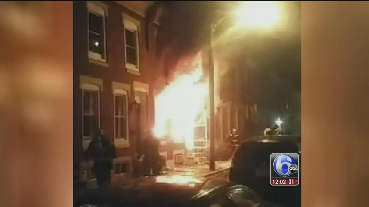 VIDEO: 2 dead, police officer injured in South Phila. fire