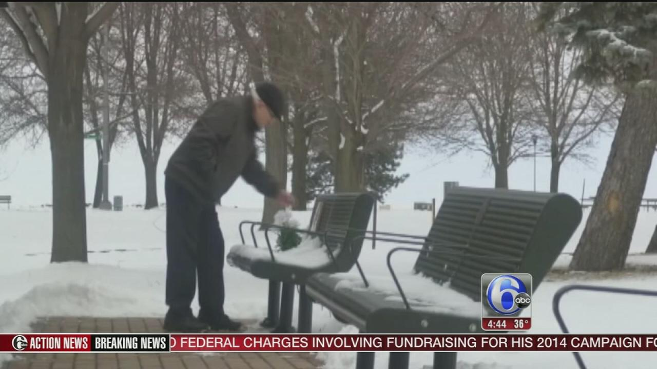 VIDEO: Strangers shovel walkway for elderly man
