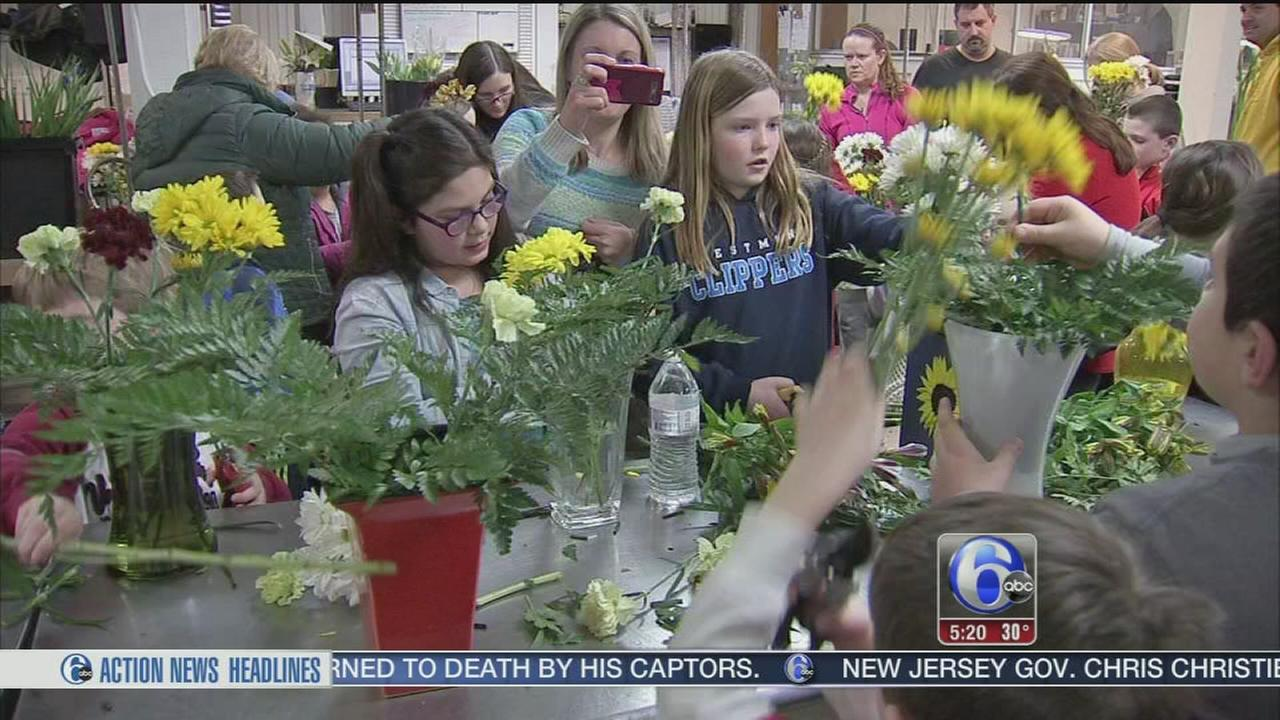 VIDEO: Overlook Elementary kids get ready for flower show