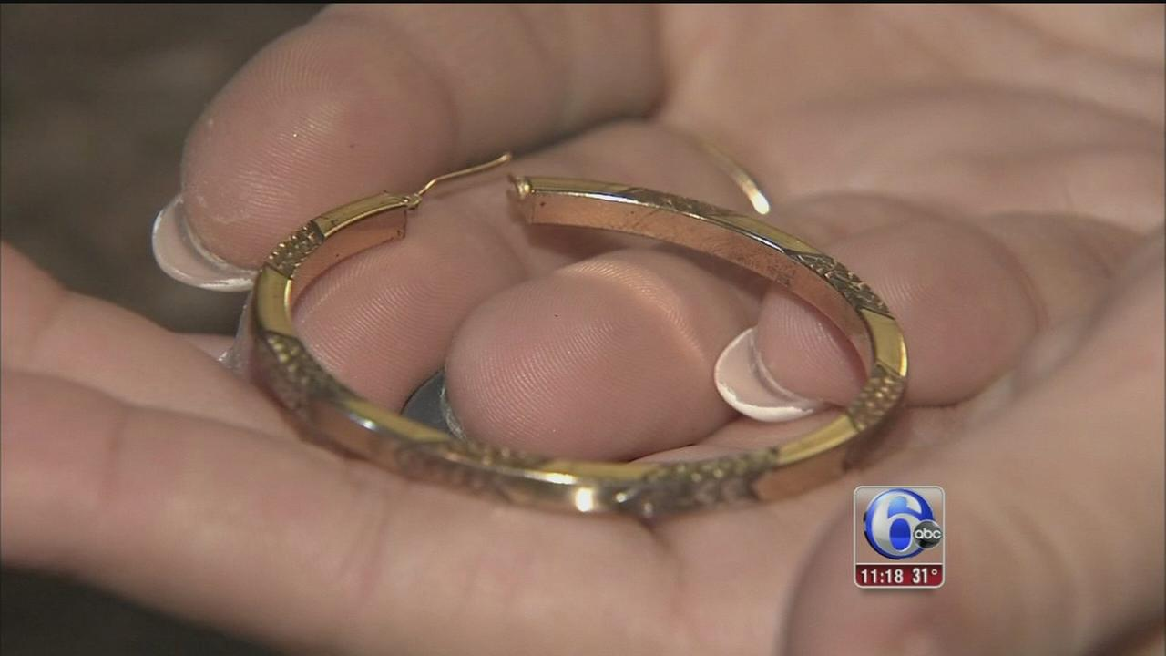 VIDEO: Jewelry shopping?  How to spot fools gold
