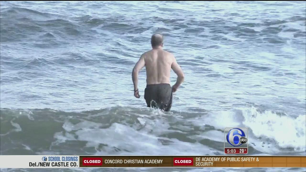 VIDEO: Despite cold, NJ man continues polar plunge quest