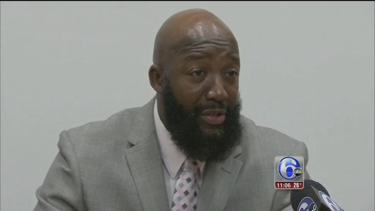 VIDEO: Trayvon Martin?s father speaks at Arcadia University