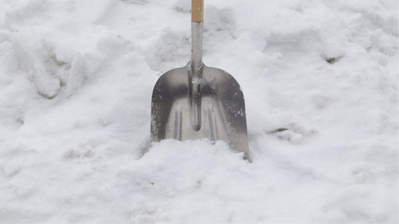 City stops snow shoveling tickets, cant clear its own