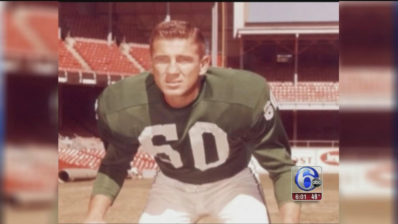 VIDEO: Eagles legend Chuck Bednarik dies