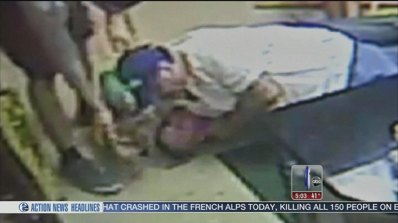 VIDEO: Pizza shop owner takes down alleged donation jar thief