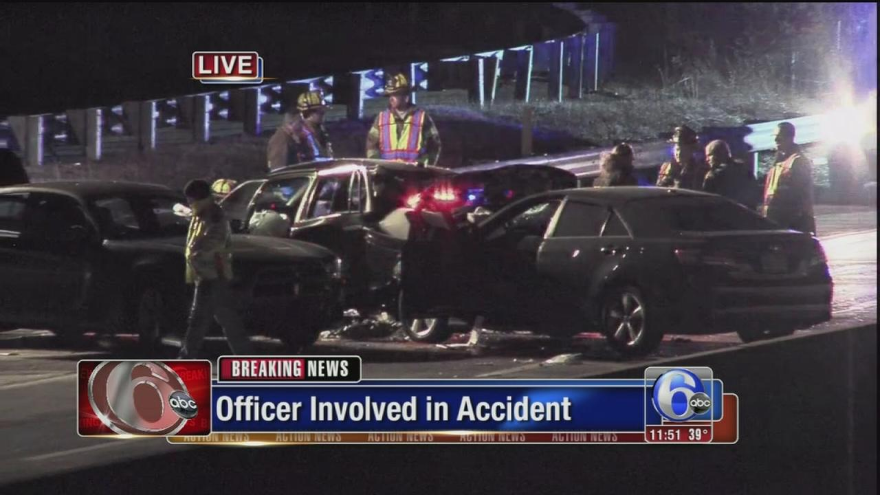 VIDEO: 5 injured, including police officer, in Morrisville crash
