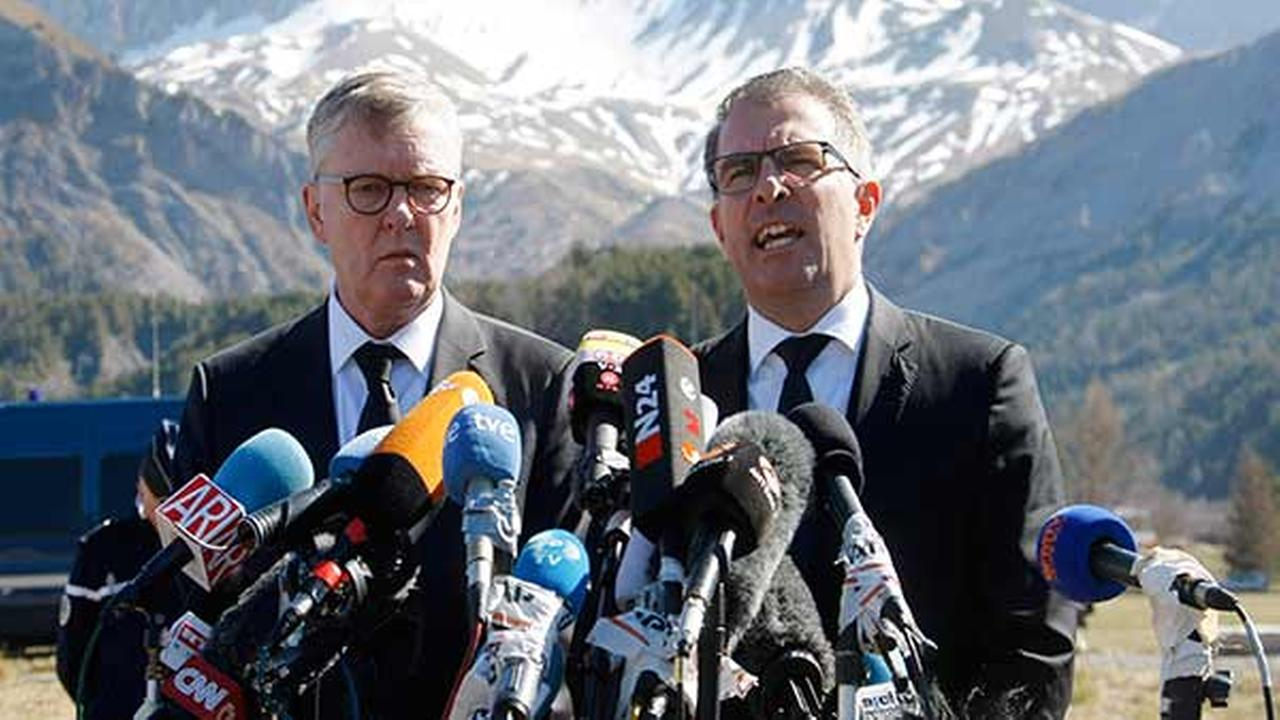 CEO of Germanwings Thomas Winkelmann, left, and Lufthansa CEO Carsten Spohr attend a press conference near the site of the Germanwings jet crash, in Le Vernet, France, Wednesday, A