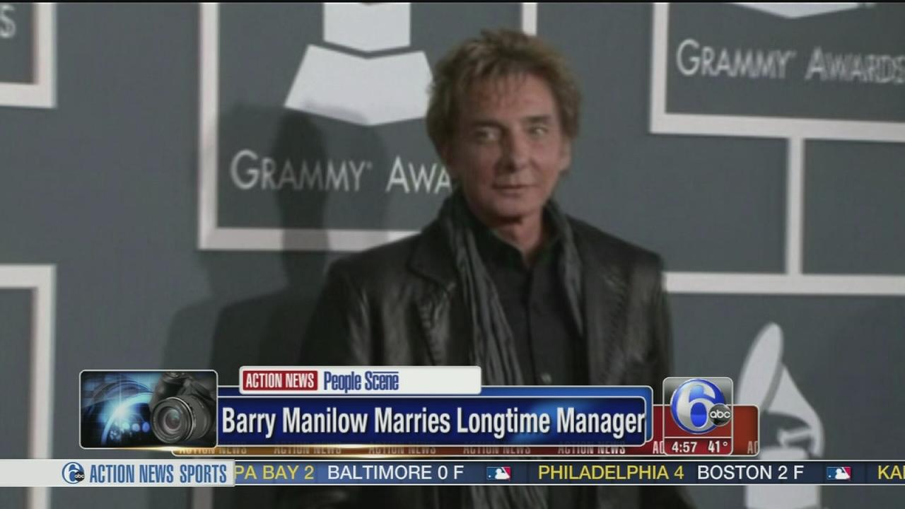 VIDEO: Barry Manilow marries manager