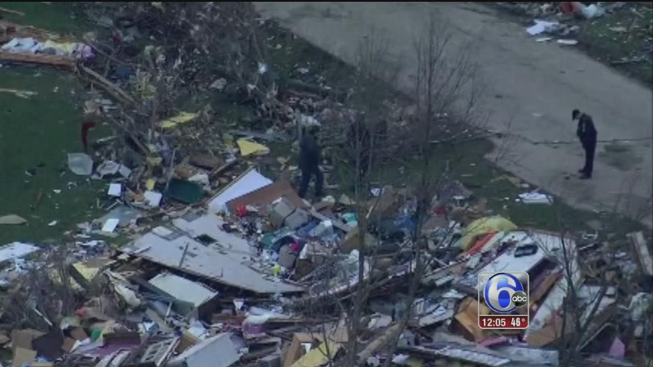 VIDEO: Tornado leaves 1 dead, 7 hurt in Illinois town