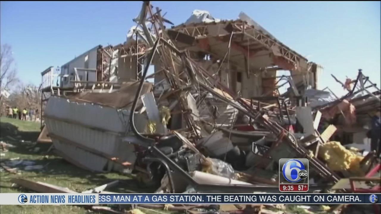 VIDEO: Illinois hamlet to assess whats left after tornado kills 2