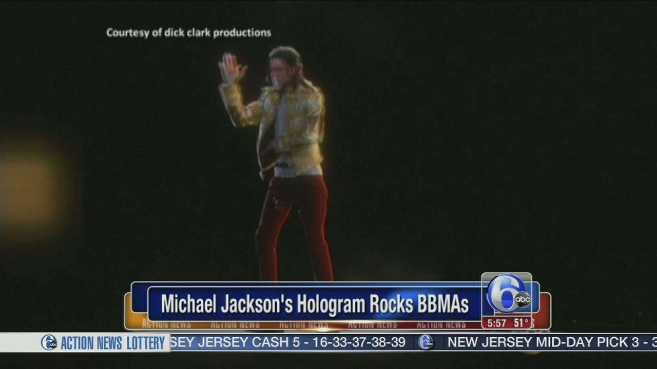 VIDEO: Michael Jacksons hologram performance
