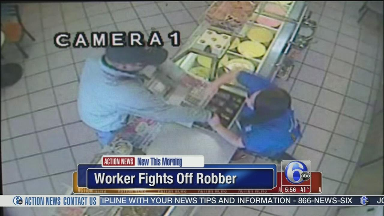 VIDEO: Worker fights off robber in Baskin Robbins