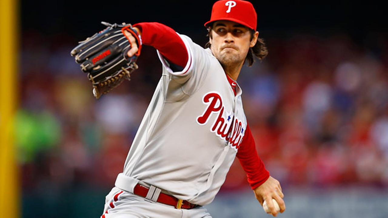 Philadelphia Phillies starting pitcher Cole Hamels throws against the St. Louis Cardinals during the first inning of a baseball game Monday, April 27, 2015, in St. Louis.