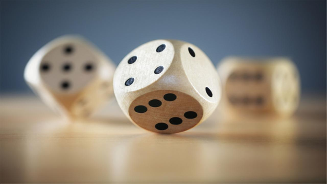 Town rolls dice to decide next mayor
