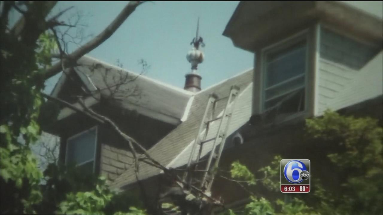 VIDEO: Child rescued from Frankford roof