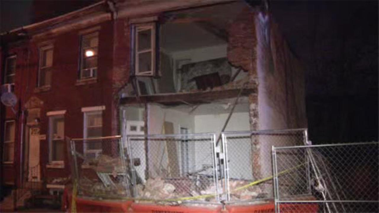 Vacant house partially collapses in South Philly