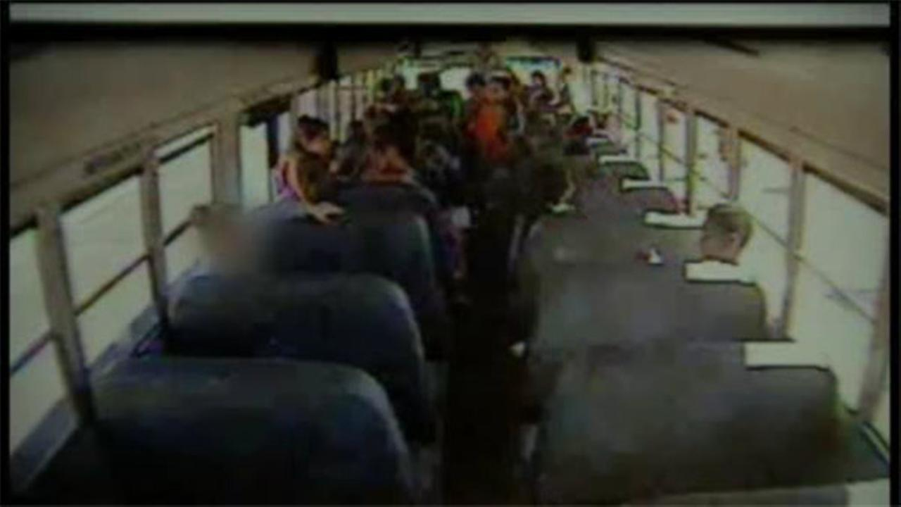 Driver locks students on Arizona school bus