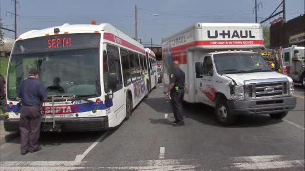Uhaul Truck S 5 Injured After Septa Bus U Haul Crash In North Philadelphia