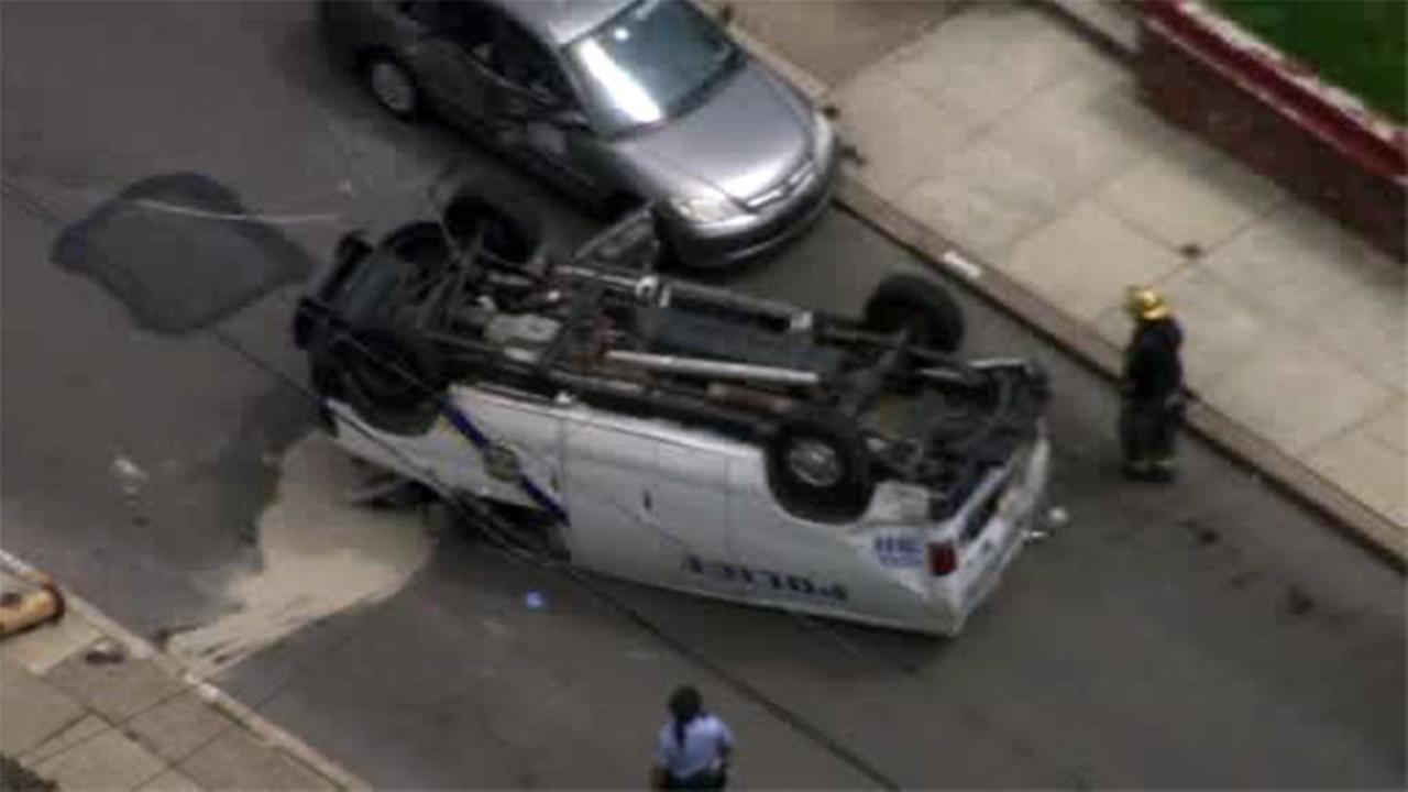 Police van overturns in South Philadelphia crash