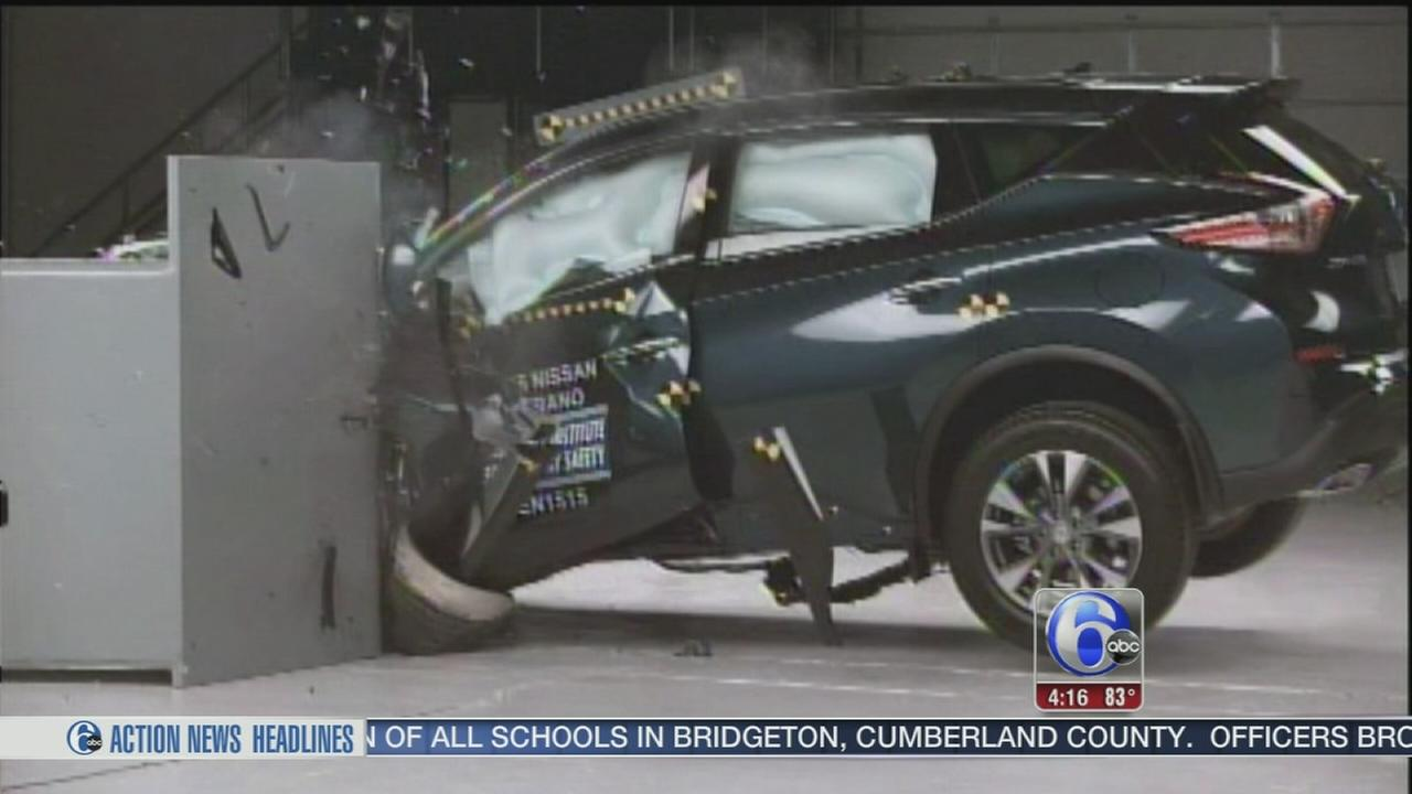 VIDEO: Only 3 of 7 midsize SUVs perform well in crash tests