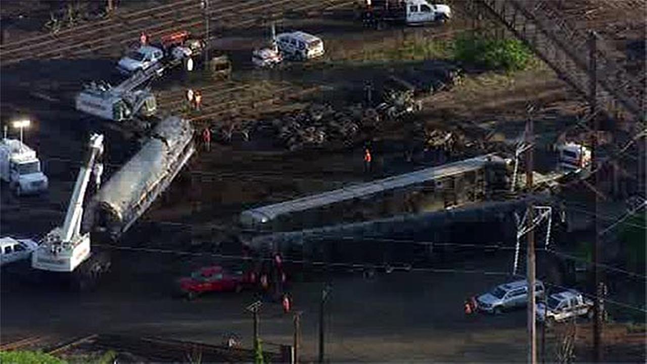 Amtrak train derails in Philadelphia